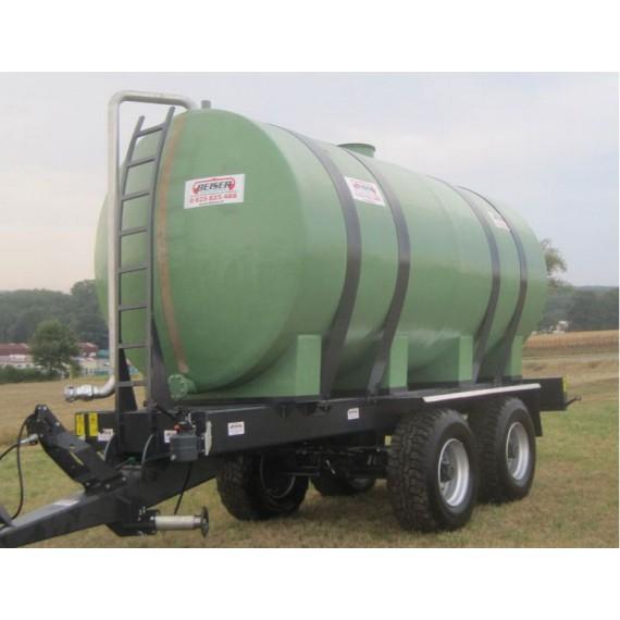 Polyestertank auf Fahrgestell, Fassungsvermögen 20 000 Liter